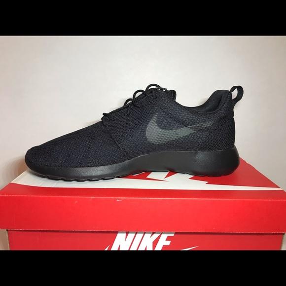 7a42bf3bad3d New Men s Nike Roshe One Black 511881-026